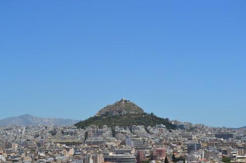Monte Lykavittos, de longe