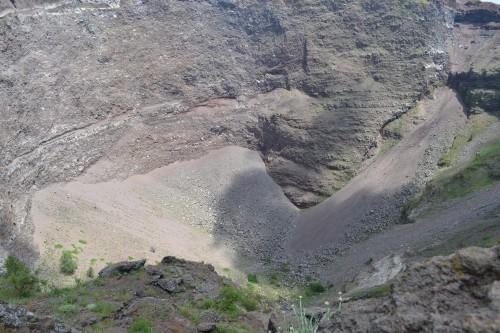 Meião da boca do vulcão