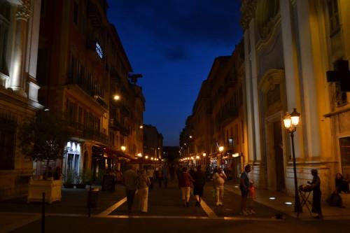 Nice de noitinha, rua do palácio de óperas