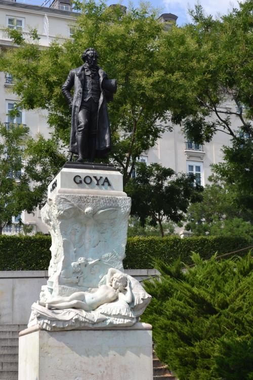 Goya malvadão em frente ao Prado