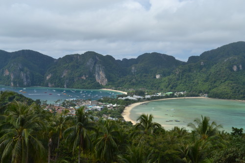 Koh Phi Phi Don, a ilha principal vista do mirante