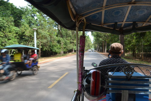 Tuk-tuk à mil por hora no Cambodia