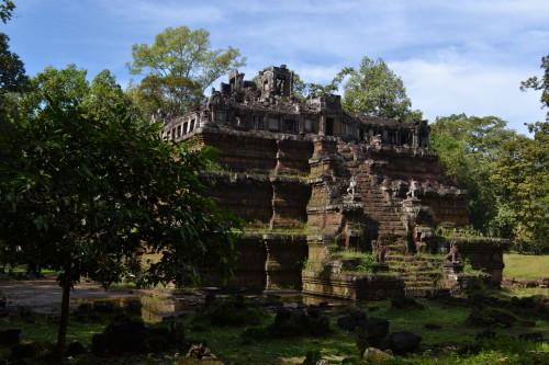 Uma ruína (dentro ou do lado) do complexo do palácio real
