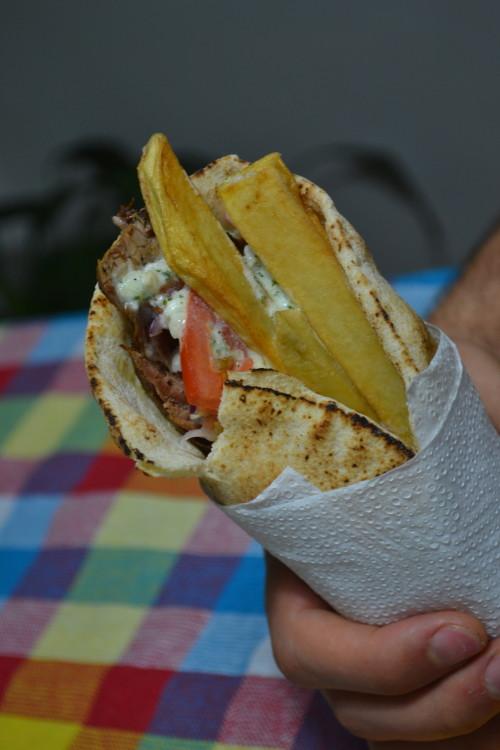 Não é shawarma, não é kebab, é gyro!